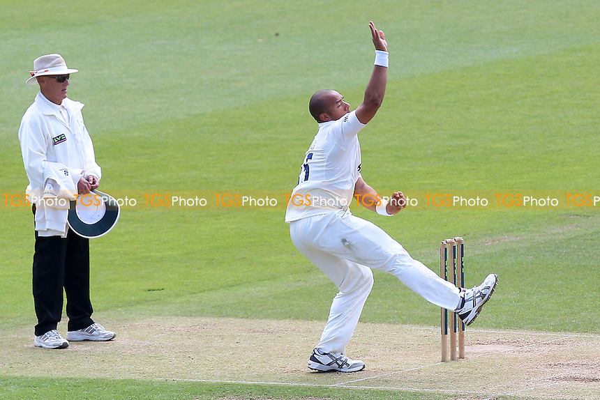 Tymal Mills in bowling action for Essex - Hampshire CCC vs Essex CCC - LV County Championship Division Two Cricket at the Ageas Bowl, West End, Southampton - 17/06/14 - MANDATORY CREDIT: Gavin Ellis/TGSPHOTO - Self billing applies where appropriate - 0845 094 6026 - contact@tgsphoto.co.uk - NO UNPAID USE