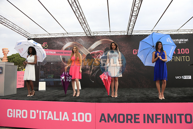 Giro Jersey girls at sign on before Stage 2 of the 100th edition of the Giro d'Italia 2017, running 221km from Olbia to Tortoli, Sardinia, Italy. 6th May 2017.<br /> Picture: Eoin Clarke   Cyclefile<br /> <br /> <br /> All photos usage must carry mandatory copyright credit (&copy; Cyclefile   Eoin Clarke)