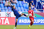 Sanrawat Dechmitr of Thailand (L) fights for the ball with Komail Hasan Alaswad of Bahrain during the AFC Asian Cup UAE 2019 Group A match between Bahrain (BHR) and Thailand (THA) at Al Maktoum Stadium on 10 January 2019 in Dubai, United Arab Emirates. Photo by Marcio Rodrigo Machado / Power Sport Images