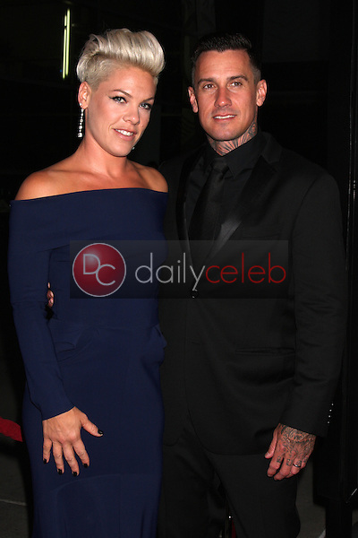 Alecia Moore, Pink, Carey Hart<br />