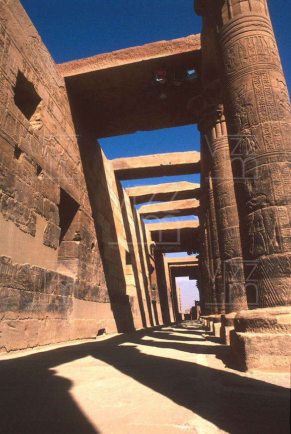 LUXOR- EGIPTO- 17-04-2007. Templo de Luxor. Luxor Temple. (Photo: VizzorImage)..