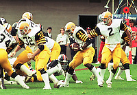 Tom Clements quarterback, Hamilton Tiger Cats 1983. Photo F. Scott Grant
