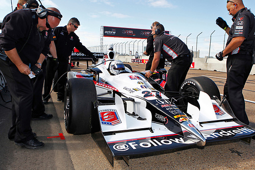 22-24 July, 2011, Edmonton, Alberta, Canada<br /> Mike Conway and crew<br /> (c)2011, Phillip Abbott<br /> LAT Photo USA