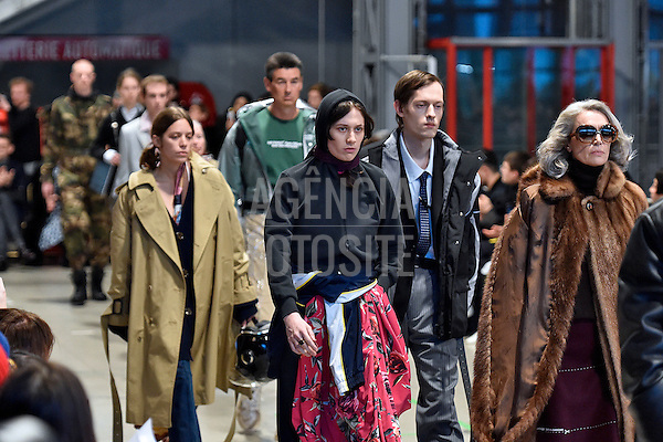 Vetements-<br />  Paris Menswear Inverno 2017 - <br /> Janeiro 2017