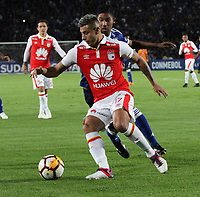 BOGOTÁ -COLOMBIA, 18-09-2018:Juan Roa jugador de Independiente Santa Fe de Colombia en acción  contra Millonarios   de Colombia durante partido por los octavos de final ,llave A,  de La Copa Conmebol Sudamericana 2018,jugado en el estadio Nemesio Camacho El Campín de la ciudad de Bogotá./Juan Roa Player of Indeendiente Santa Fe of Colombia in actions  against of Millonaros   of Colombia during game for the knockout round, key A, of the Conmebol Sudamericana Cup  2018, played at the Nemesio Camacho stadium The Campín of the city of Bogotá. Photo: VizzorImage/ Felipe Caicedo / Staff