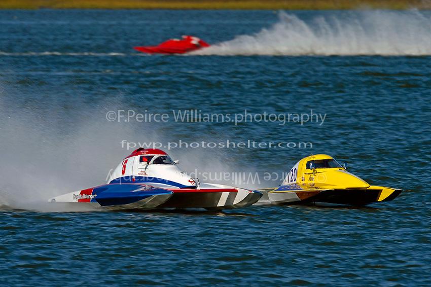 Owen Henderson, T-5, Courtney Stewart, T-720        (1.5 Litre Stock hydroplane(s)