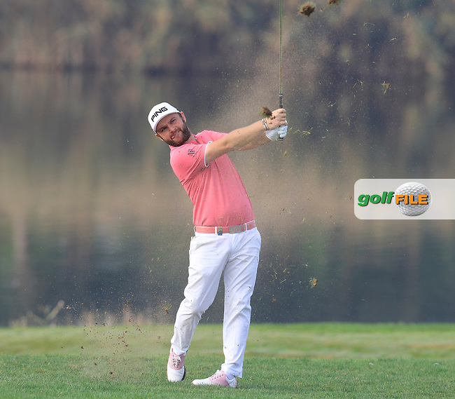 Andy Sullivan (ENG) plays his 2nd shot on the 14th hole during Thursday's Round 1 of the 2016 Portugal Masters held at the Oceanico Victoria Golf Course, Vilamoura, Algarve, Portugal. 19th October 2016.<br /> Picture: Eoin Clarke | Golffile<br /> <br /> <br /> All photos usage must carry mandatory copyright credit (&copy; Golffile | Eoin Clarke)