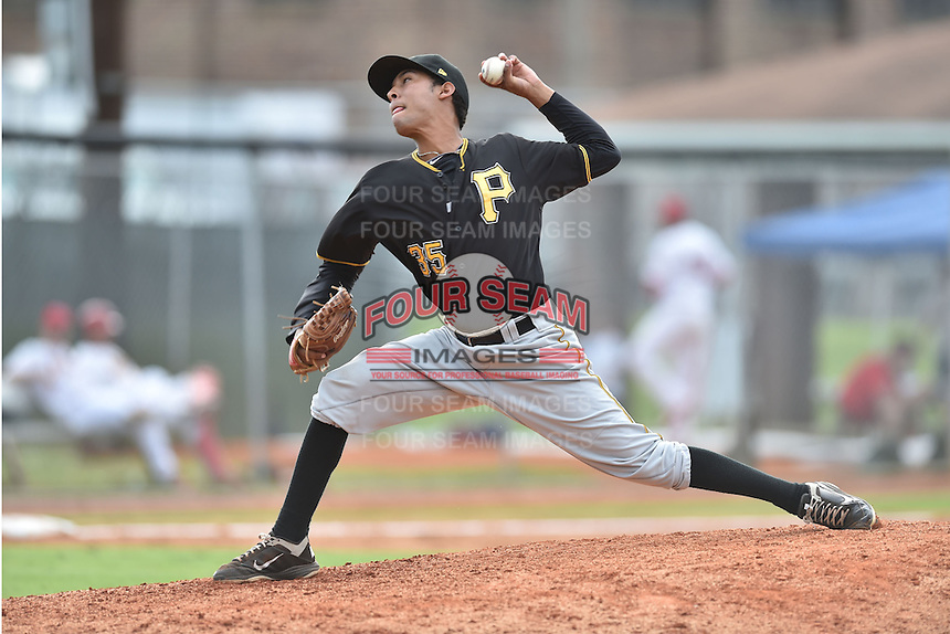 Bristol Pirates pitcher Christian Henriquez #35 delivers a pitch during a game against the Johnson City Cardinals at Howard Johnson Field July 20, 2014 in Johnson City, Tennessee. The Pirates defeated the Cardinals 4-3. (Tony Farlow/Four Seam Images)