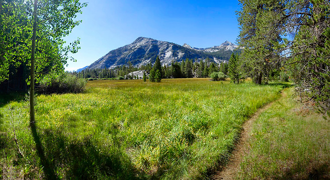 Trail to Lost Valley and Muir Trail Ranch