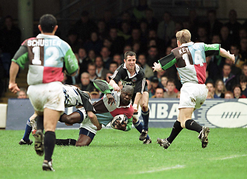 Photo. Richard Lane.Bath v Harlequins. 8/5/99..Peter Mensah looks to Jason Keyter for support.