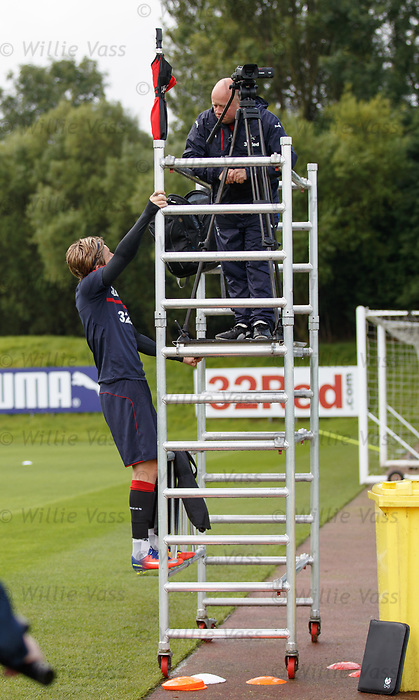 Josh Windass climbs up the scaffolding to chat to Steve Harvey about important video stuff or something...