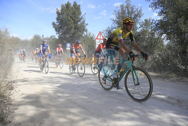 The peloton including Taco Van der Hoorn (NED) Team Jumbo-Visma on sector 3 Radi during Strade Bianche 2019 running 184km from Siena to Siena, held over the white gravel roads of Tuscany, Italy. 9th March 2019.<br /> Picture: Eoin Clarke | Cyclefile<br /> <br /> <br /> All photos usage must carry mandatory copyright credit (© Cyclefile | Eoin Clarke)