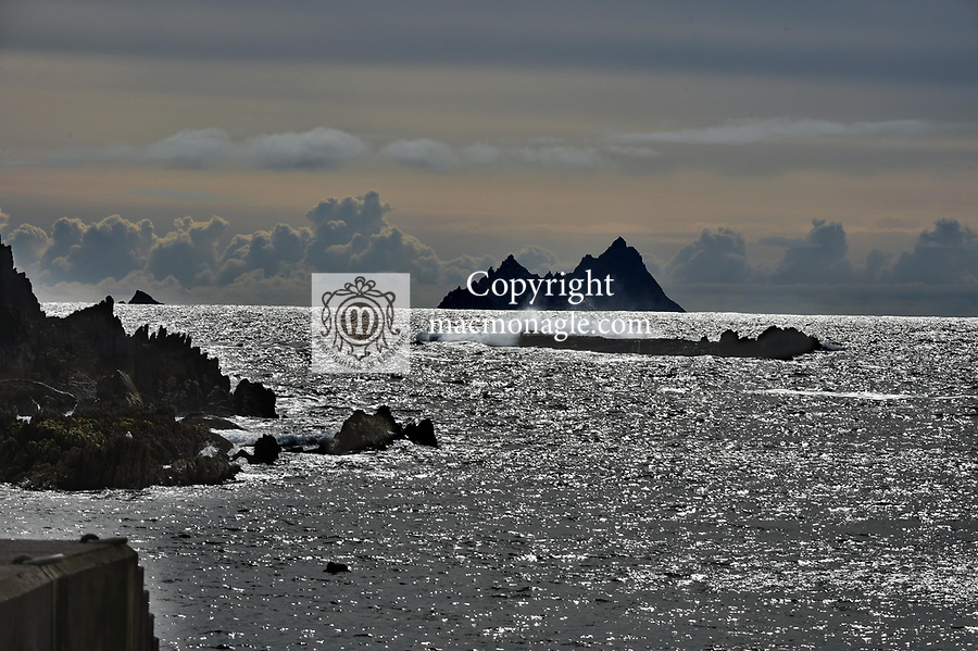 Birds feeding in the sand The Skellig Rocks as viewed from The Glen, Ballinskelligs 2019.<br /> Photo don MacMonagle