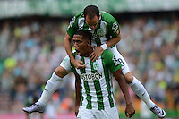 MEDELLÍN -COLOMBIA-16-ABRIL-2016.Orlando Berrio  de Atlético Nacional celebra su gol contra el Envigado FC  durante partido por la fecha 13 de Liga Águila I 2016 jugado en el estadio Atanasio Girardot ./ Orlando Berrio  of Atletico Nacional celebrates his goal against of Envigado FC during the match for the date 13 of the Aguila League I 2016 played at Atanasio Girardot  stadium in Medellin . Photo: VizzorImage / León Monsalve  / Contribuidor