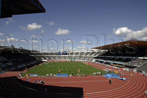 5 August 2005: Preparations continue in the Helsinki Olympic Stadium on the eve of the 10th IAAF World Athletic Championships, Helsinki, Finland. Photo: Glyn Kirk/Actionplus....050805 venues