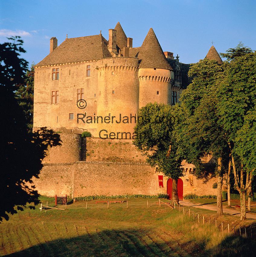 France, Aquitaine, Département Dordogne, Périgord, near Sainte-Mondane: Château de Fénelon   Frankreich, Aquitanien, Département Dordogne, Périgord, bei Sainte-Mondane: Château de Fénelon