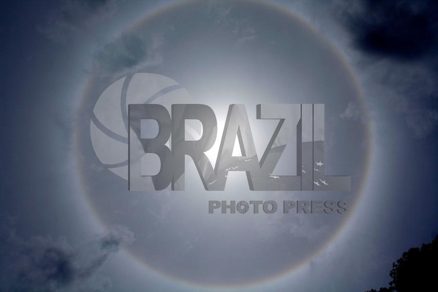 Rio de Janeiro, RJ, 21 DE FEVEREIRO DE 2012-  FENÔMENO RARO: Arco-íris ao redor do sol. Foto: Isabela Catão / Brazil Photo Press