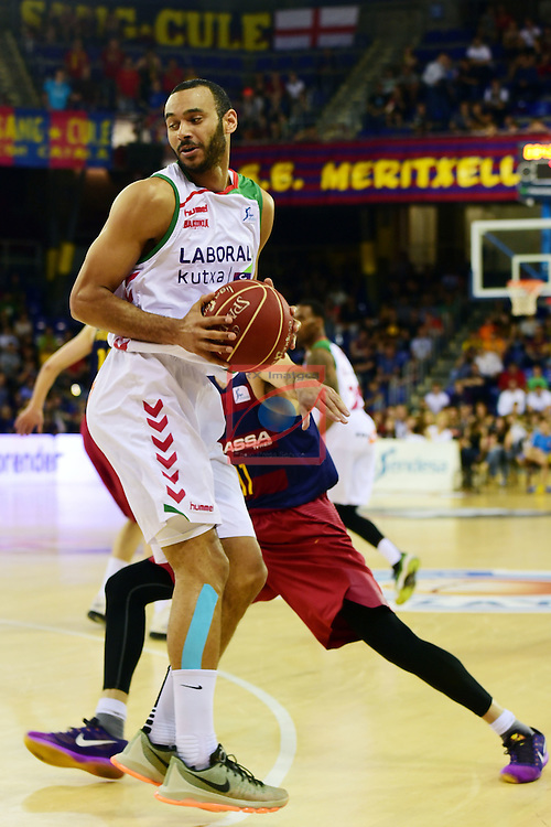 League ACB-ENDESA 2015/2016. <br /> Play-Off Semifinals - Game 2.<br /> FC Barcelona Lassa vs Laboral Kutxa Baskonia: 73-68.<br /> Adam Raga vs Juan Carlos Navarro.