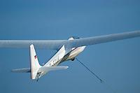 ASK 18: EUROPA, DEUTSCHLAND, HAMBURG 24.09.2005:Bundesjugendvergleichsfliegen 2005 in Hamburg Boberg, Segelflugzeug, ASK 18 im Windenstart