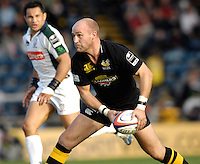 Wycombe, Great Britain, Wasps, Alex KING, during the EDF Energy, Anglo Welsh, rugby Cup match, London Wasps vs London Irish,  at Adams Park, England, 08/10/2006. [Photo, Peter Spurrier/Intersport-images]....