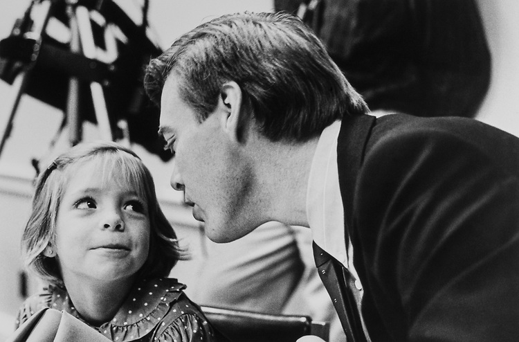 Rep. Tim Penny, D-Minn., with daughter Molly (age 6) in Jan. 1989. (Photo by Stephen Rosenberg/CQ Roll Call)