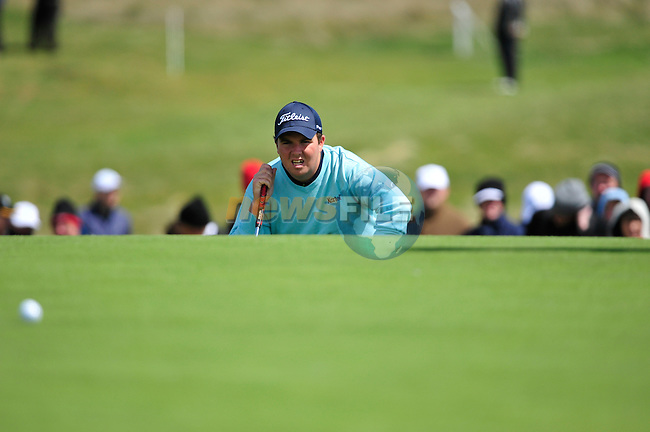 Shane Lowry lines up his putt on the 7th green during the Final Round of the 3 Irish Open on 17th May 2009 (Photo by Eoin Clarke/GOLFFILE)