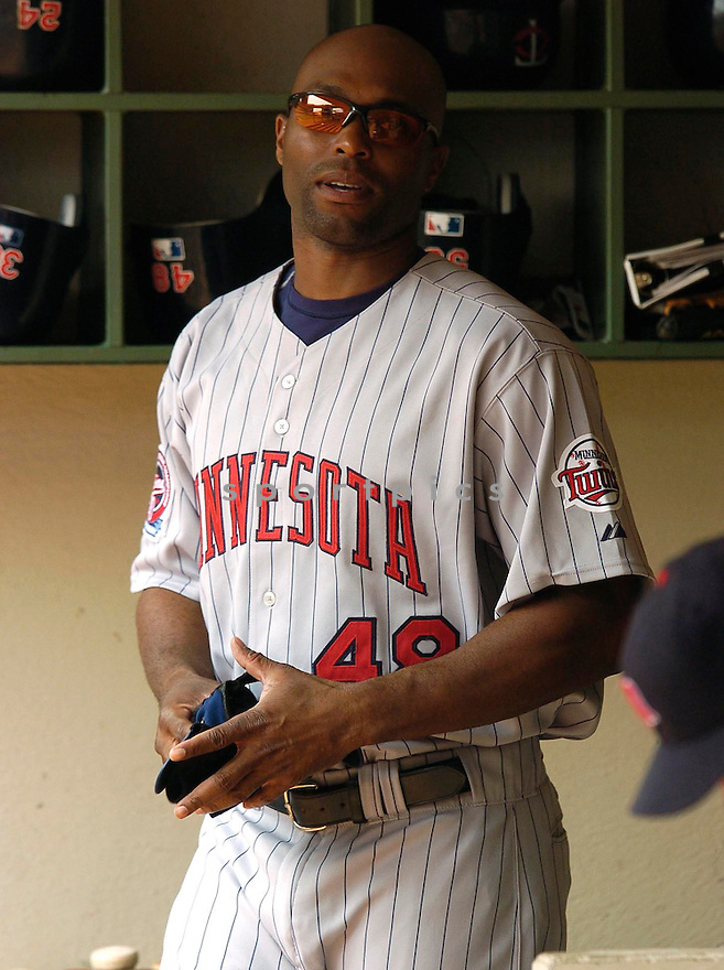 Torii Hunter of the Minnesota Twins in action against the Milwaukee Brewers. ....Twins won 5-2.....Chris Bernacchi  / SportPics..