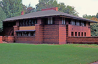 F.L. Wright: Arthur Heurtley House, 1902. 318 Forest Ave., Oak Park.  Photo '77.