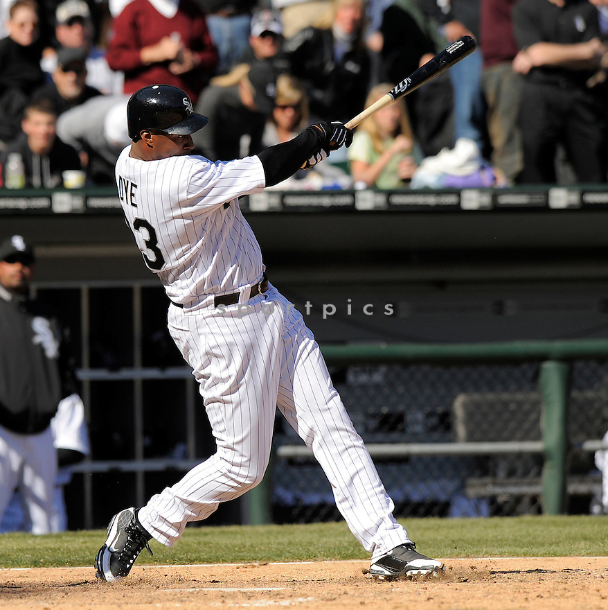 JERMAINE DYE,, of the Chicago White Sox, in action  during the White Sox game against the Kansas City Royals  on April 7, 2009 in Chicago, IL.  The White Sox beat  the Royals  4-2 in Chicago,