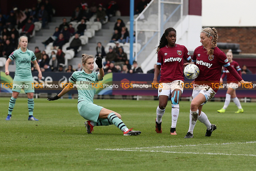 Vivianne Miedema of Arsenal goes close to a goal during West Ham United Women vs Arsenal Women, FA Women's Super League Football at Rush Green Stadium on 6th January 2019