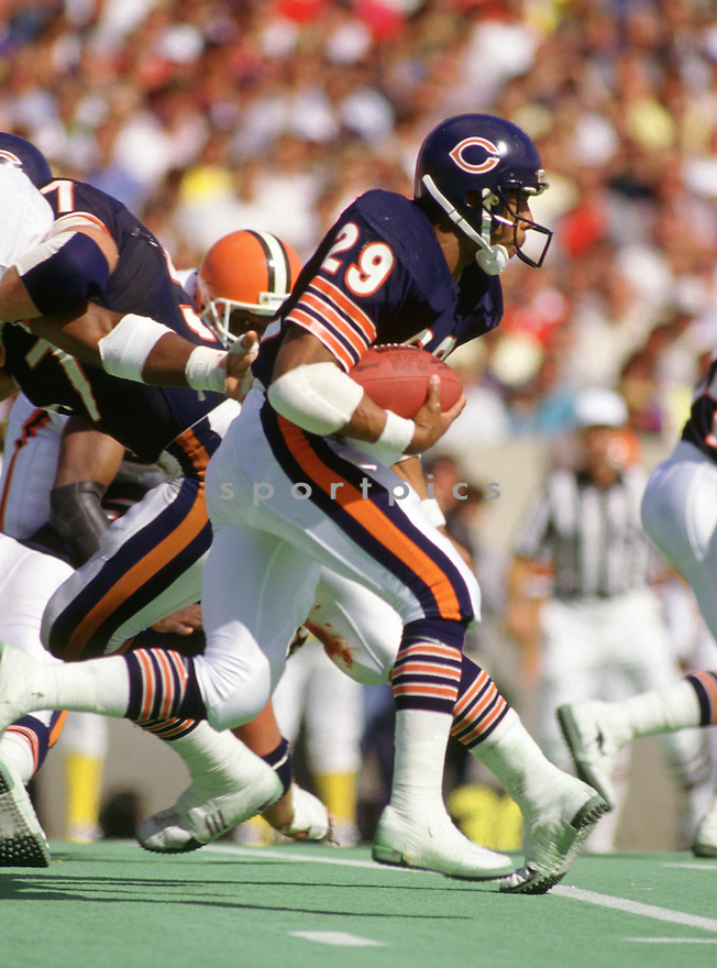Chicago Bears Dennis Gentry (29) during a game from his 1986 season with the Chicago Bears. Dennis Gentry played 11 season all with the Chicago Bears.(SportPics)