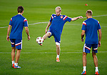 Spanje, Barcelona, 20 oktober 2014<br /> Seizoen 2014-2015<br /> Champions League<br /> Training Ajax in Camp Nou<br /> Davy Klaassen (m.) van Ajax in actie met bal