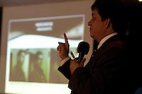 Diretor da polícia do interior delegado Sílvio Maués, apresenta o resultado do inquérito que investiga o assassinato dos ambientalistas José Cláudio Ribeiro da Silva e sua esposa Maria do Espírito Santo e Silva, assassinados a bala no município de Nova Ipixuna no Pará no dia 24/05/2011, Durante a coletiva a imprensa, foi apresentado o retrato falado dos pistoleiros, Lindonjonson Silva Rocha e Alberto Lopes do Nascimento, bem como do mandante José Rodrigues Moreira. A polícia aguarda posição da justiça para prisão dos acusados.Belém, Pará, Brasil.Foto Paulo Santos20/07/2011