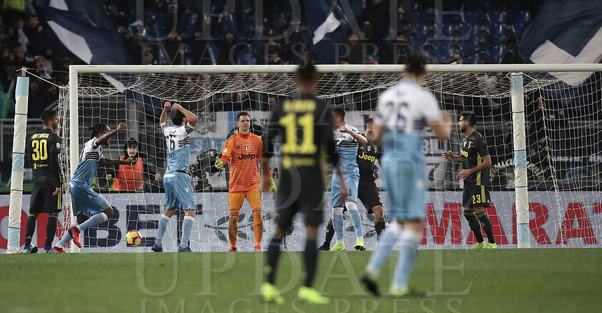 Football, Serie A: S.S. Lazio - Juventus, Olympic stadium, Rome, January 27, 2019. <br /> Lazio's players celebrate after Juventus&rsquo; Emre Can (r) scored an own goal during the Italian Serie A football match between S.S. Lazio and Juventus at Rome's Olympic stadium, Rome on January 27, 2019.<br /> UPDATE IMAGES PRESS/Isabella Bonotto