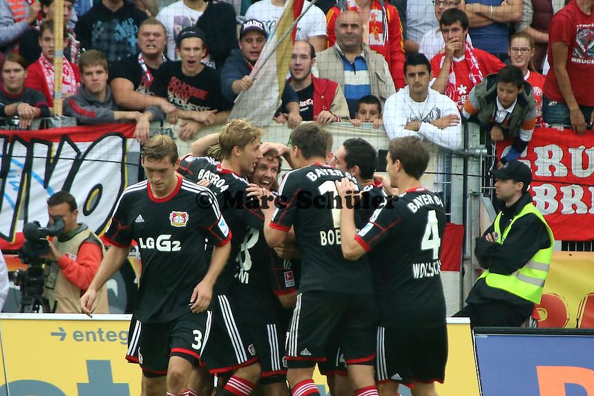 Robbie Kruse (Bayer) erzielt das 0:3 und jubelt m it Simon Rolfes - 1. FSV Mainz 05 vs. Bayer 04 Leverkusen, Coface Arena, 6. Spieltag