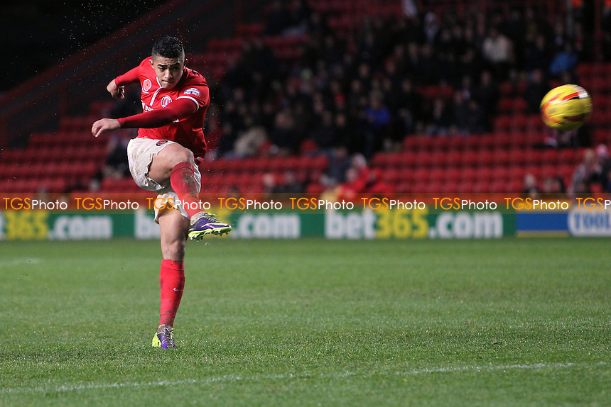 Cameron Stewart of Charlton Athletic scores the equaliser - Charlton Athletic vs Leeds United - Sky Bet Championship Football at The Valley, London - 09/11/13 - MANDATORY CREDIT: Simon Roe/TGSPHOTO - Self billing applies where appropriate - 0845 094 6026 - contact@tgsphoto.co.uk - NO UNPAID USE