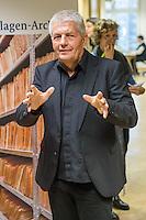 Besuch von Bundespraesident Joachim Gauck im Stasi-Unterlagen-Archiv in Berlin.<br /> Im Bild: Der Bundesbeauftragte fuer die Stasi-Unterlagen, Roland Jahn.<br /> 13.1.2017, Berlin<br /> Copyright: Christian-Ditsch.de<br /> [Inhaltsveraendernde Manipulation des Fotos nur nach ausdruecklicher Genehmigung des Fotografen. Vereinbarungen ueber Abtretung von Persoenlichkeitsrechten/Model Release der abgebildeten Person/Personen liegen nicht vor. NO MODEL RELEASE! Nur fuer Redaktionelle Zwecke. Don't publish without copyright Christian-Ditsch.de, Veroeffentlichung nur mit Fotografennennung, sowie gegen Honorar, MwSt. und Beleg. Konto: I N G - D i B a, IBAN DE58500105175400192269, BIC INGDDEFFXXX, Kontakt: post@christian-ditsch.de<br /> Bei der Bearbeitung der Dateiinformationen darf die Urheberkennzeichnung in den EXIF- und  IPTC-Daten nicht entfernt werden, diese sind in digitalen Medien nach §95c UrhG rechtlich geschuetzt. Der Urhebervermerk wird gemaess §13 UrhG verlangt.]