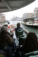 Turisti su un vaporetto lungo il Canal Grande, a Venezia.<br /> Cruising up the Grand Canal on a vaporetto in Venice.<br /> UPDATE IMAGES PRESS/Riccardo De Luca
