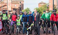 Picture by Allan McKenzie/SWpix.com - 24/09/2017 - Cycling - HSBC UK City Ride Liverpool - Albert Dock, Liverpool, England - Neil & Lora Fachie on the start line with Mayor Malcolm Kennedy, Brendon and Imogen Cook.