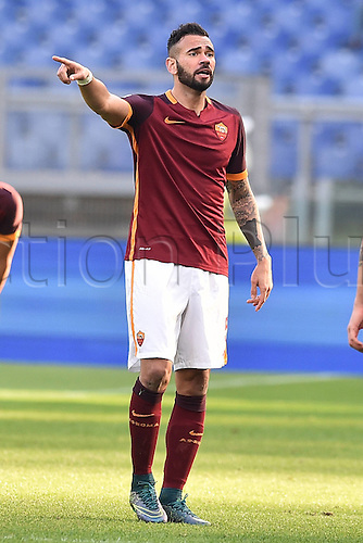 16.12.2015. Rome, Italy. Copa Italiana cup match between Roma and Spezia at Stadio Olimpico, Rome.  Leandro Castan Roma  The game ended in a 0-0 draw and Spezia won the penalty shoot-out by a score of 2-4.