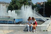 Bulgarien, Varna, Straßenszene beim Theater
