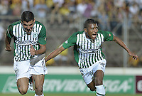 IBAGUÉ -COLOMBIA, 23-06-2013. Jefferson Duque (I) de Atlético Nacional celebra un gol en contra de Deportes Tolima durante partido de los cuadrangulares finales, fecha 3, de la Liga Postobón 2013-1 jugado en el estadio Manuel Murillo Toro de la ciudad de Ibagué./ Atletico Nacional player Jefferson Duque (L) celebrates a goal against Deportes Tolima during match of the final quadrangular 3th date of Postobon  League 2013-1 at Manuel Murillo Toro stadium in Ibague city. Photo: VizzorImage/STR