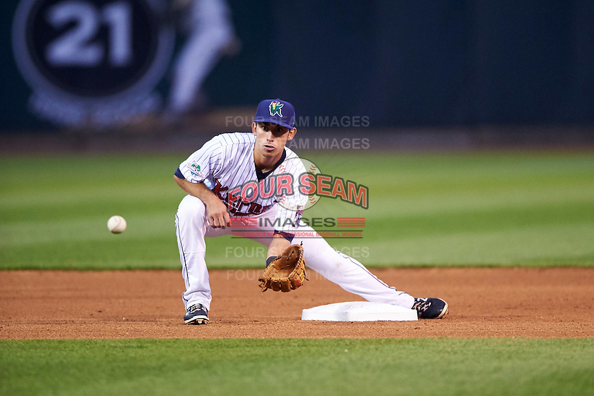 Cedar Rapids Kernels second baseman Alex Perez (4) during the second game of a doubleheader against the Kane County Cougars on May 10, 2016 at Perfect Game Field in Cedar Rapids, Iowa.  Cedar Rapids defeated Kane County 3-2.  (Mike Janes/Four Seam Images)