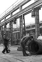 - Friuli, due mesi dopo il terremoto del maggio 1976, stabilimento delle fonderie Pittini....- Friuli, two months after the earthquake of May 1976, plant of the Pittini foundries ....