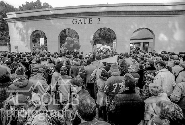 Crowd files through gate 2 into the stadium after leaving the Super Bowl XIX tailgate on the Stanford University campus. The San Francisco 49ers defeated the Miami Dolphins 38-16 on Sunday, January 20, 1985.