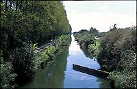 Giussago, il Naviglio Pavese direzione Pavia --- Giussago, Naviglio Pavese canal towards Pavia