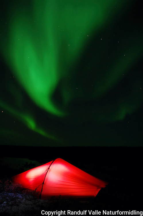 Telt og nordlys ---- Tent and northern lights