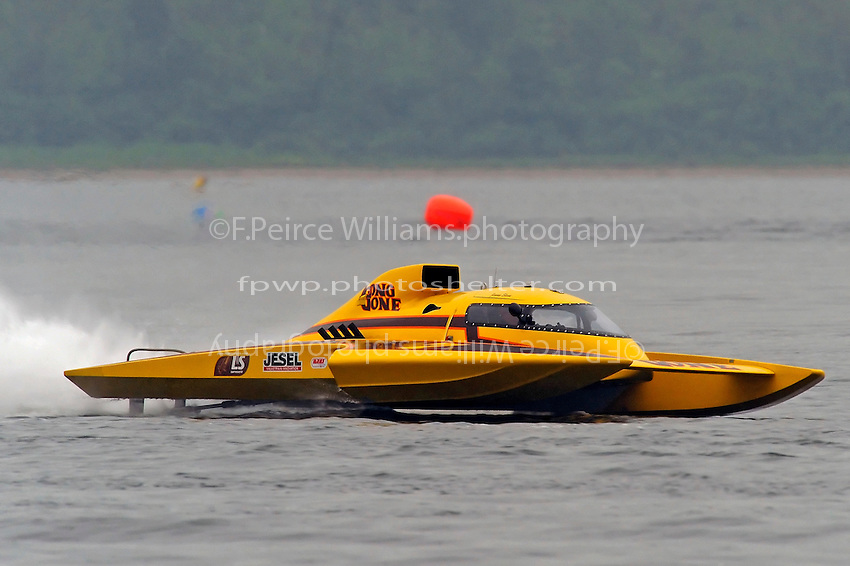 "Jimmy Shane, GP-7 ""Long Gone"", Grand Prix class hydroplane.Syracuse Hydrofest, Onondaga Lake, Syracuse, NY.20/21 June, 2009, Dayton, OH USA..©F. Peirce Williams 2009 USA.F.Peirce Williams.photography.ref: RAW (.NEF) File Available"