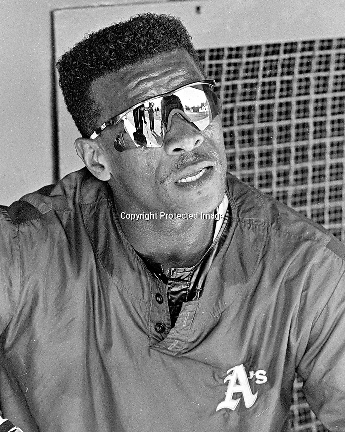 Oakland Athletics outfielder Rickey Henderson. <br />