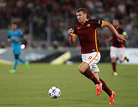 Calcio, Champions League, Gruppo E: Roma vs Barcellona. Roma, stadio Olimpico, 16 settembre 2015.<br /> Roma&rsquo;s Edin Dzeko in action during a Champions League, Group E football match between Roma and FC Barcelona, at Rome's Olympic stadium, 16 September 2015.<br /> UPDATE IMAGES PRESS/Isabella Bonotto<br /> <br /> *** ITALY AND GERMANY OUT ***